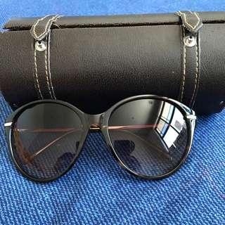 Sportsgirl Sunglasses 😎