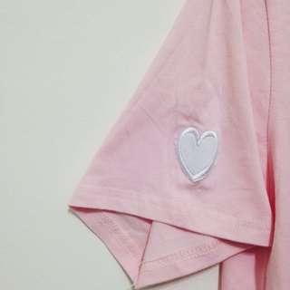 粉色心型刺繡T