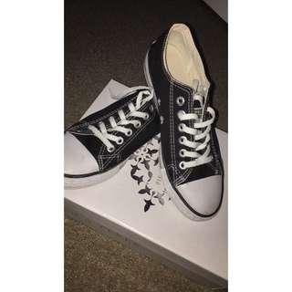 B&W Converse