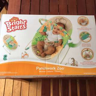 BNIB Bright Starts Patchwork Zoo Bouncer With Soothing Vibration