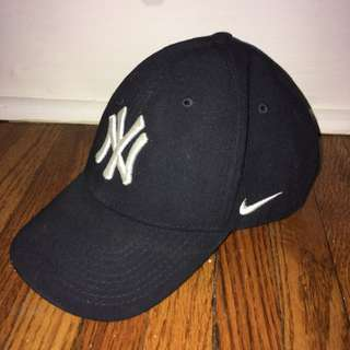 NIKE YANKEES BASEBALL HAT