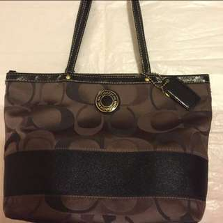 Coach $250 Signature Logo Brown Canvas Tote With Black Patent Leather Details