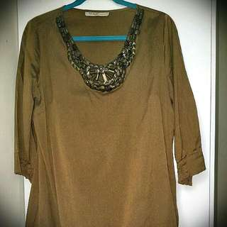 Ms READ plus Size 16 BLOUSE with Beads