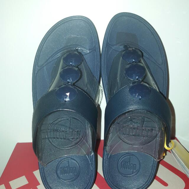 Authentic FITFLOP.. size 7 Super Navy 100% Authentic or moneyback