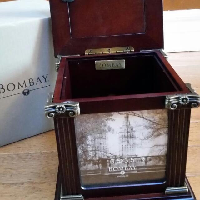 Beautiful Bombay Company Wooden Photo Cube / storage box