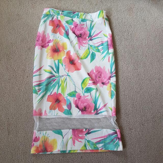 Floral midi skirt size 6