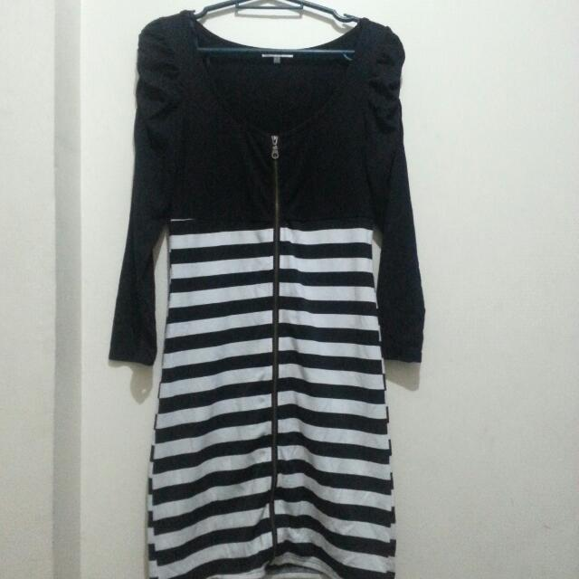 Full Front Bodycon Stripe Dress *free Shipping Within MM*
