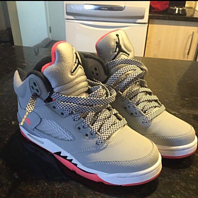 """Jordan V """"hot Lava"""" Size 6"""