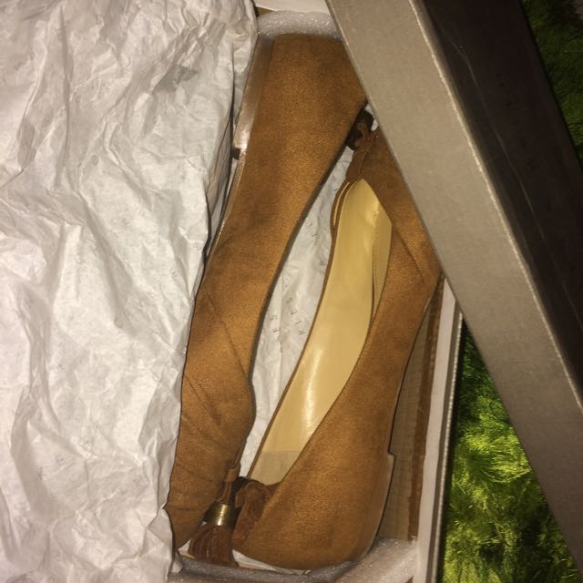 (Reprice) charles and keith original size 36