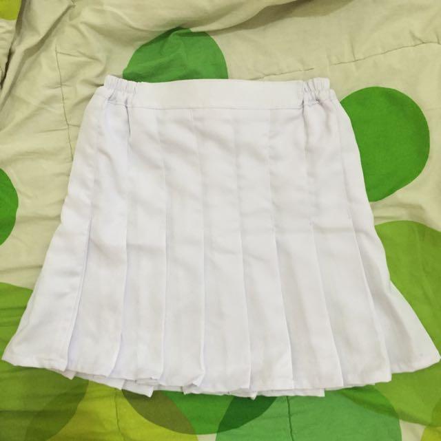 White Tennis Skirt (Rok Tennis Putih)