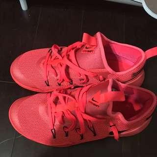 Nike Hypershift 紅
