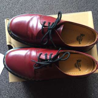 Dr. Martens 3 Eyelet Boots - CHERRY RED