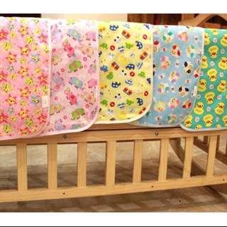 🚚 三層純棉嬰兒寶寶防水隔尿墊  外出換尿布墊 50x70