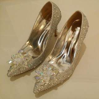 Bridal Shoe (Grey)