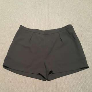 Preloved Black Fabric Shorts