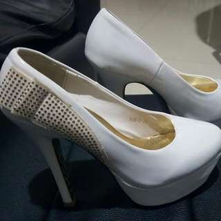 Sepatu White High Heels KEY WEST