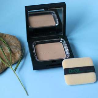 DrGL Sensitive Skin Pressed Powder SPF20 PA++ Medium (Valued at $115!!!)