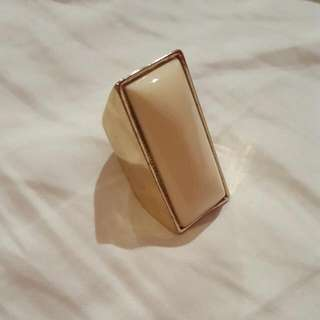 Cream/Gold Rectangle Ring