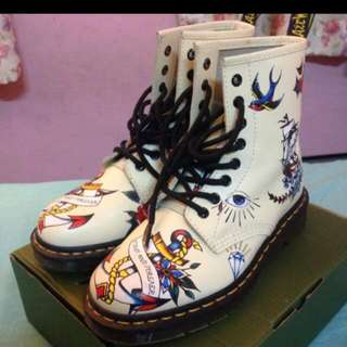 Authentic Dr Martens 8 Eyelets AVAILABLE FOR SWAP BUT WITH DR MARTENS ONLY IN SIZE UK6