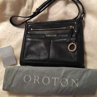 OROTON BLACK LEATHER SIDE BAG