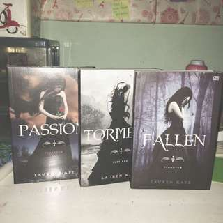 novel Fallen, Torment dan Passion ( Lauren Kate )
