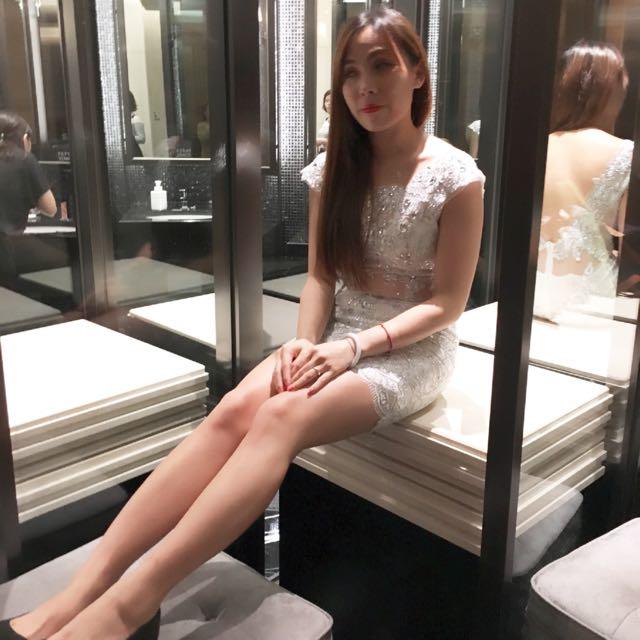銀白色合身禮服