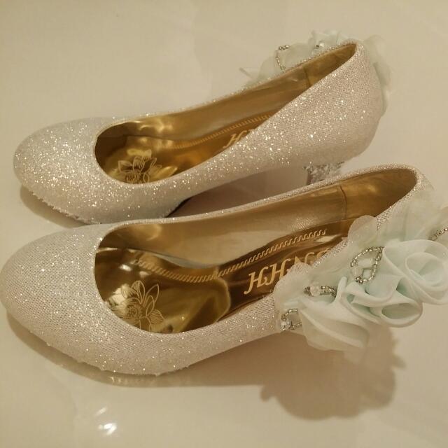 Bridal Shoe (Grey With Light Blue Flower)