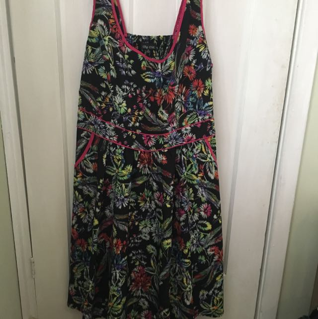 City Chic Pocketed Floral Dress XL