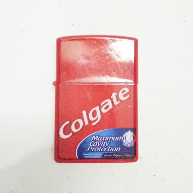 Colgate Lighter
