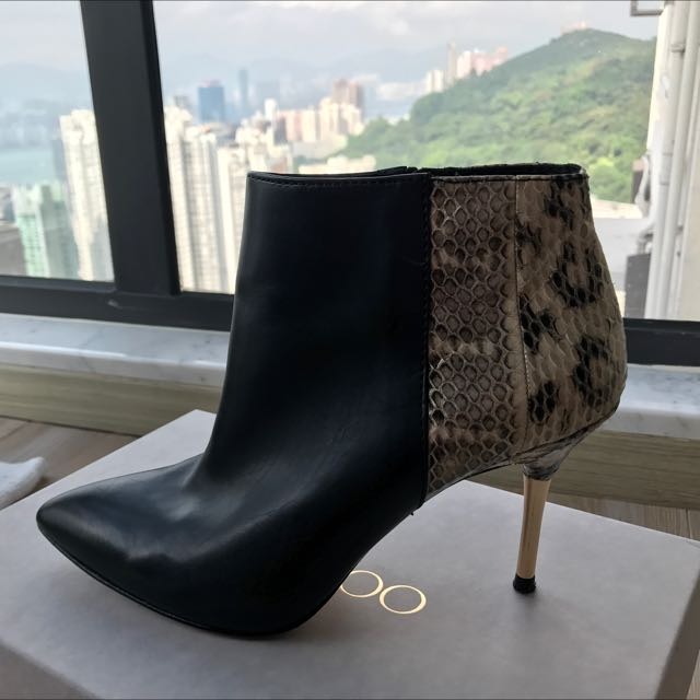 3a5f9618e9148 Dolce And Gabbana Vero Cuoio Ankle Boots (snake Skin)
