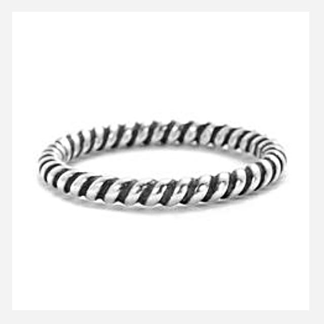 Fashionable Sterling Silver Twisted Band Ring