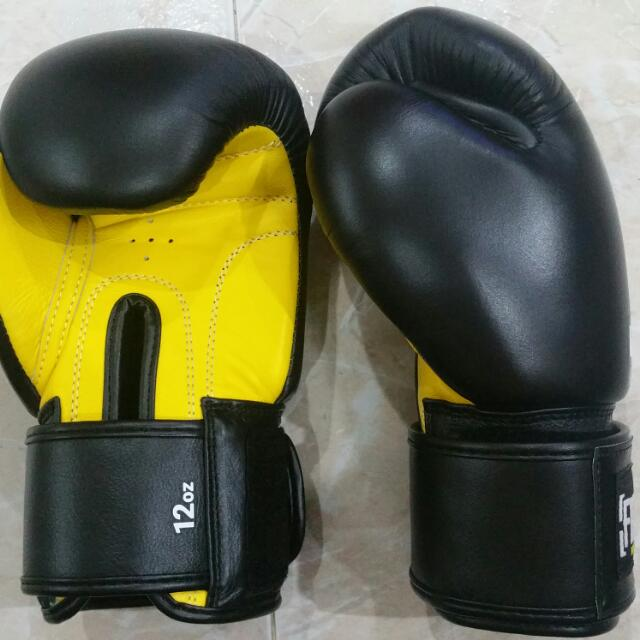 FIGHTG Muay Thai Gloves Black/Yellow 12Oz