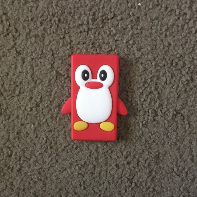 iPod Nano 4th Generation Red Penguin Case