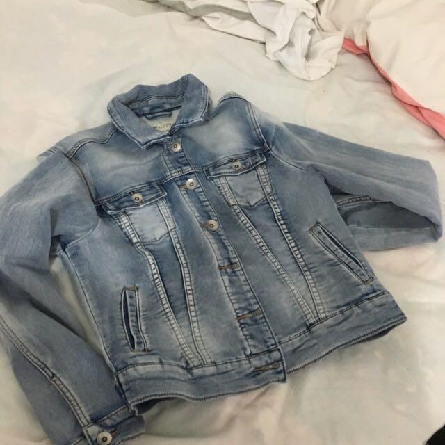 Just Jeans Denim Jacket Size 10 (NEGOTIABLE)