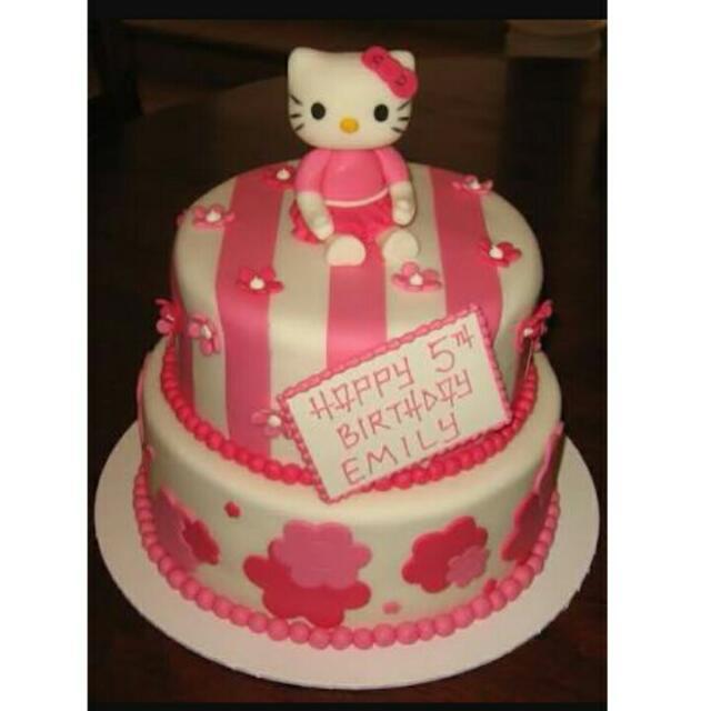 Kue Ulang Tahun Tema Hello Kitty Makanan Minuman Kue Kue Di Carousell