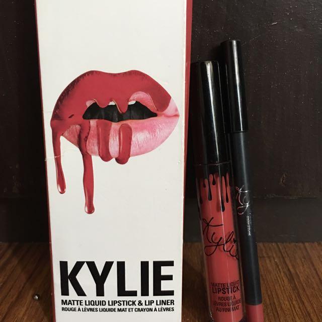 Kylie Lippie (Kristen)