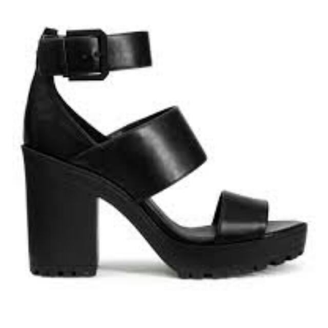 Looking For: H&M Chunky Heels Size 6