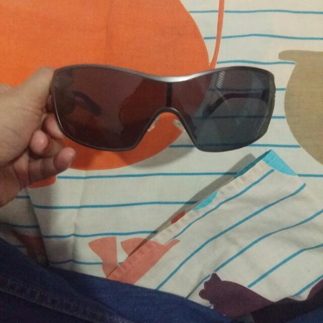 Original Oakley Dart Sunglasses..for Detail Please Swap This Photo..