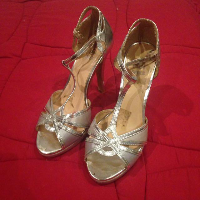 Silver Heels Size 7/8