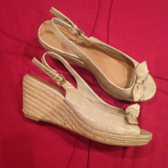 Small Wedge Cream Shoes