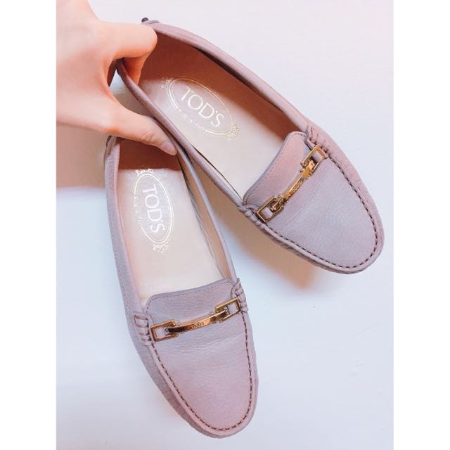 Tod's裸粉色