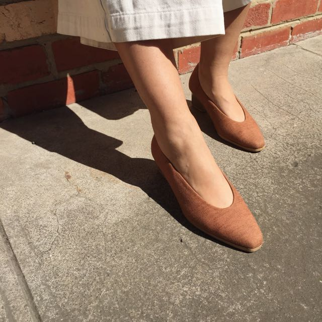 Vintage Pointed Toe Court Shoe