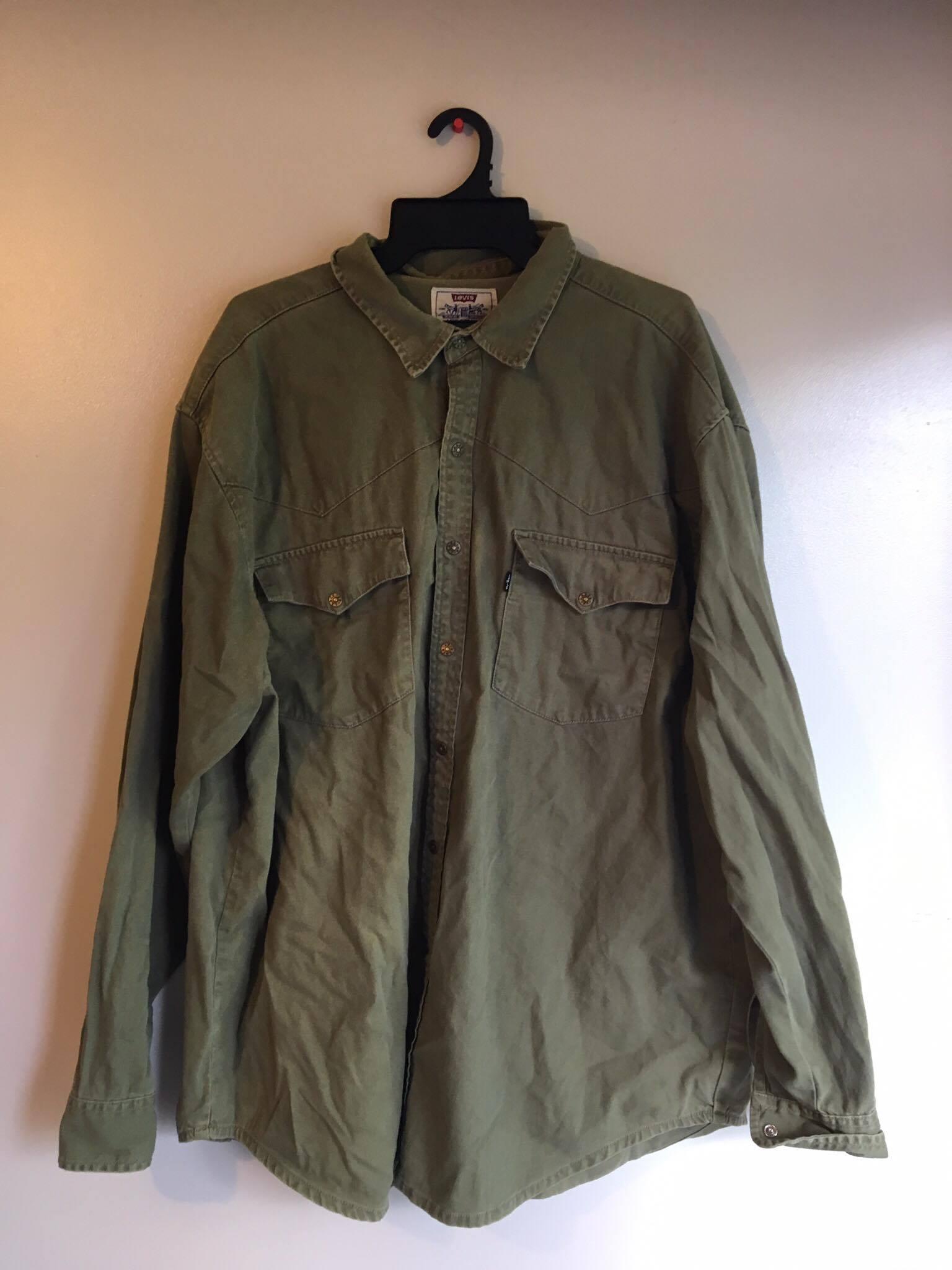 Vintage Levis Button Up shirt/ Khaki