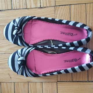 Size 7 Flat Shoes