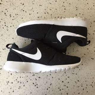 Nike Roshe Run One Breeze