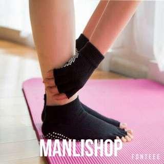 Paket Kaos Kaki Socks Dan Sarung Tangan Yoga Glove