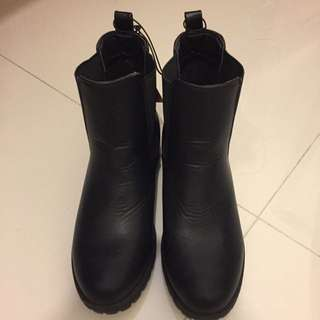 BN Cotton On Boots