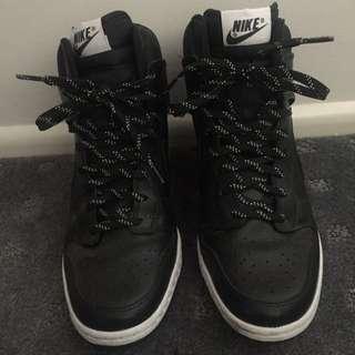 Nike Dunks Size 9