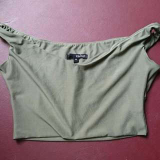 XZachary Off The Shoulder Or Worn Normal Crop Top
