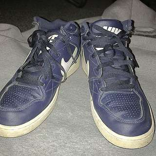Nike Mid-top Navy Blue Sneakers